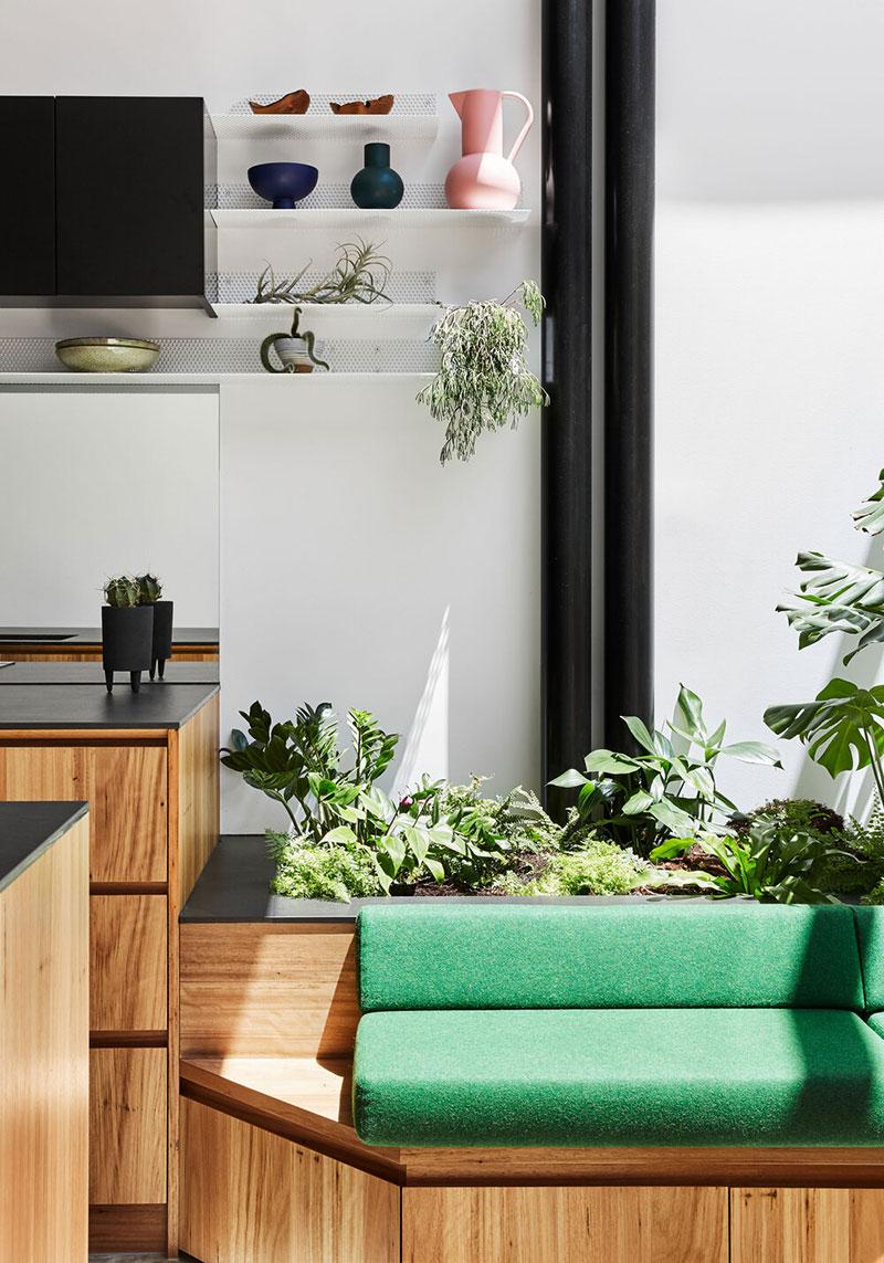 Как спроектировать интерьер в узком доме: вдохновляющий проект из Австралии