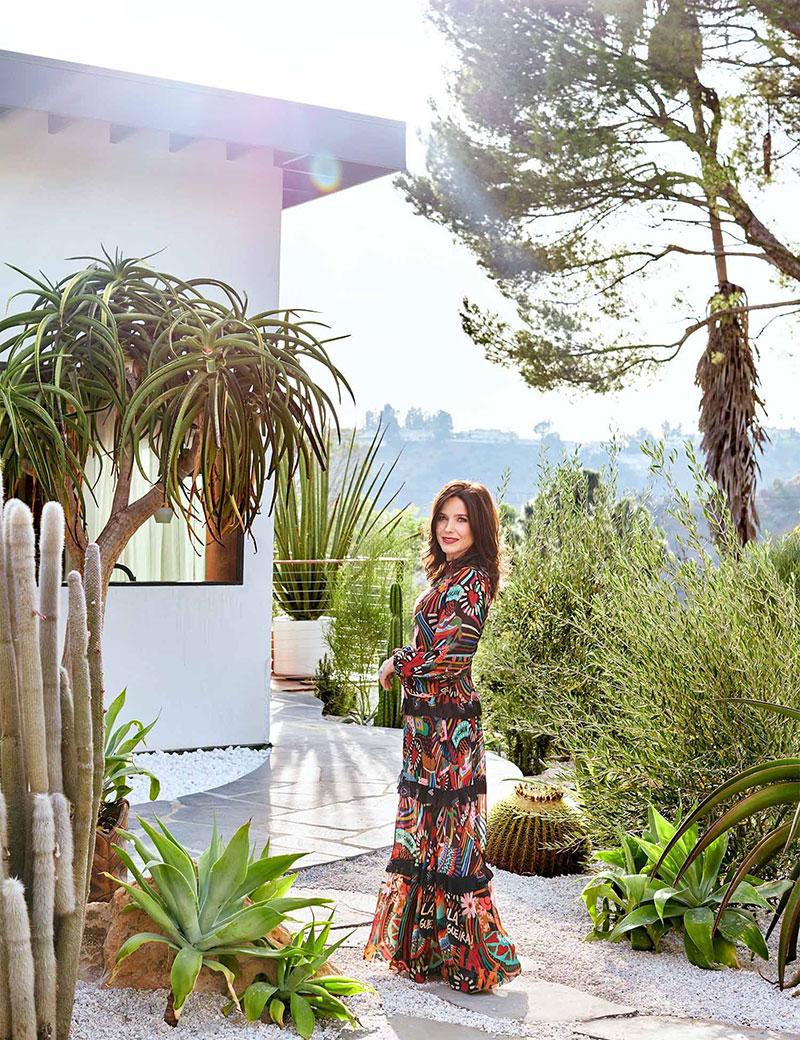 Дом знаменитости: яркое бунгало актрисы Sophia Bush на Голливудских холмах