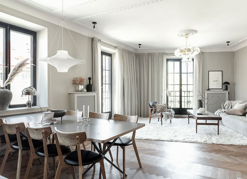 Стильная квартира в серо-бежевых тонах в старом доме в Стокгольме