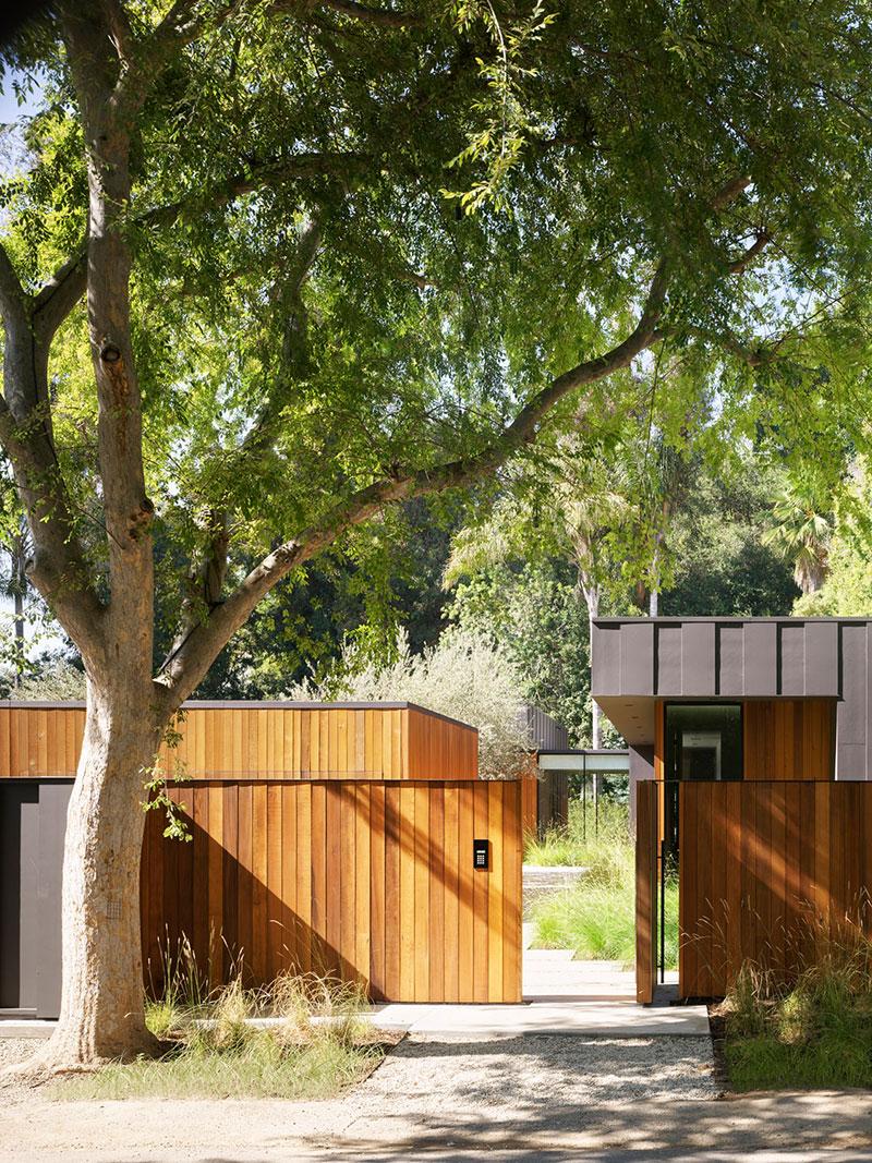 Солнечный дом архитектора в гармонии с природой в Калифорнии
