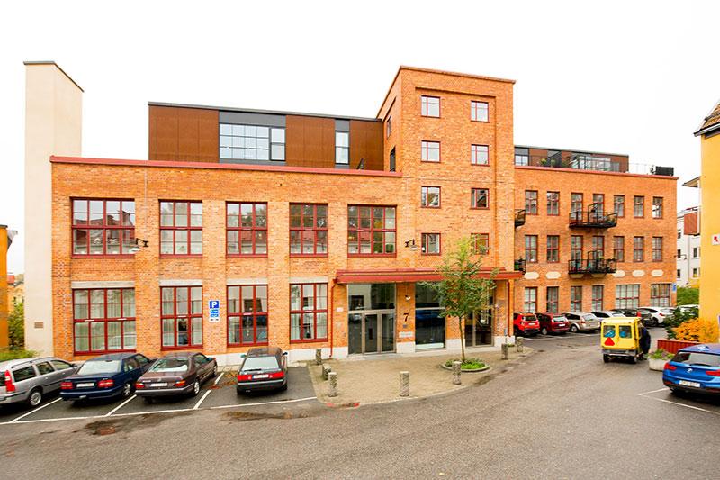 Светлый лофт в здании бывшего кожевенного завода в Стокгольме (86 кв. м)