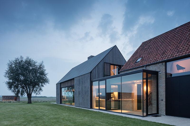 Большие окна, виды сельской местности и свой спа-комплекс: дом в аренду в Бельгии