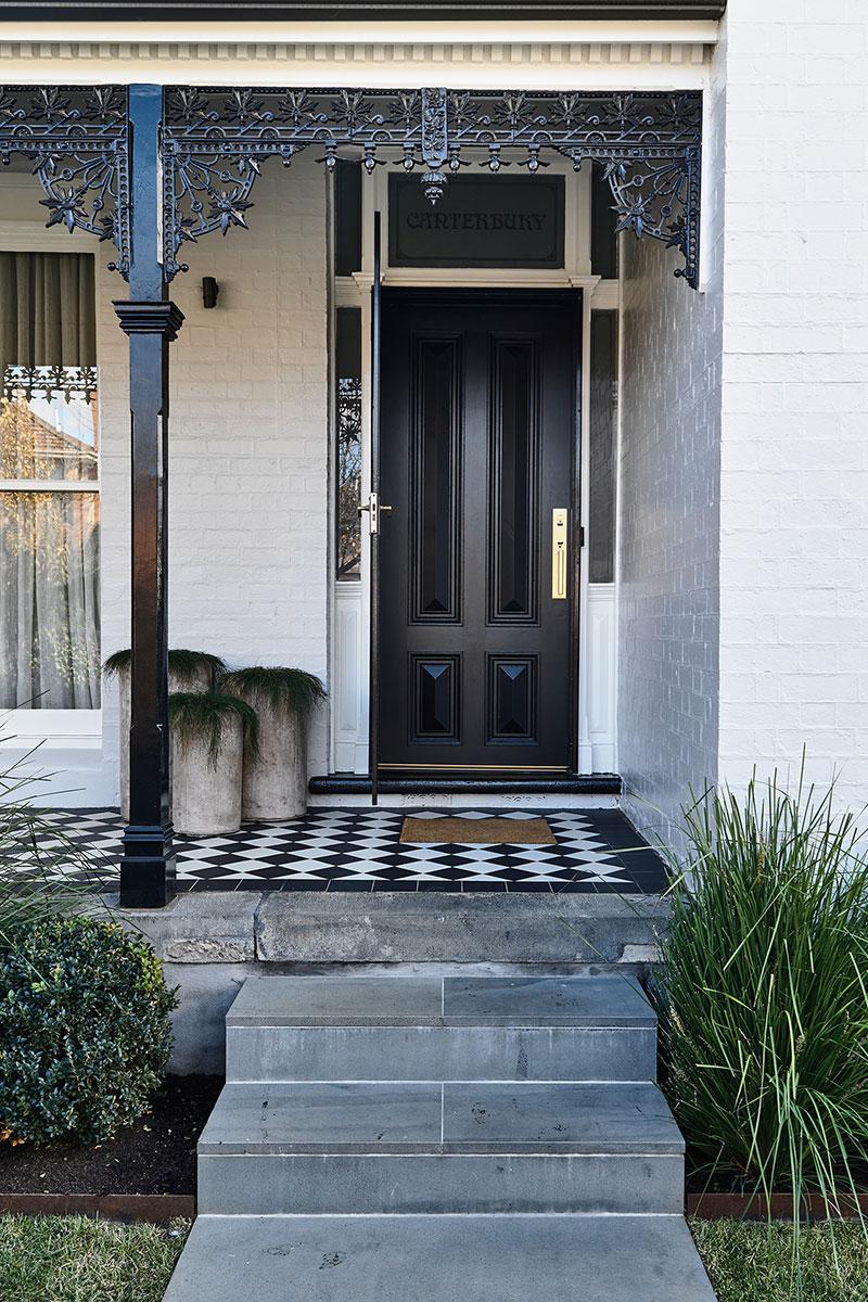 Изысканный дизайн в великолепной исторической оболочке в Мельбурне