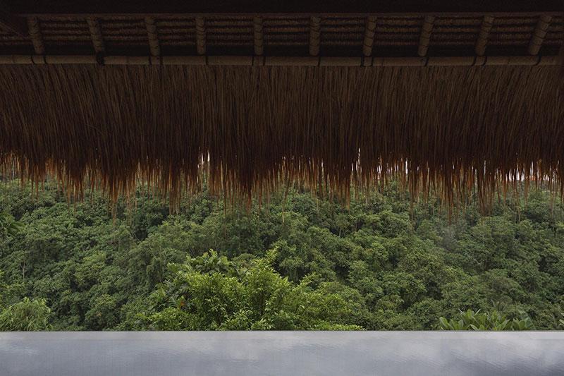 Изысканный дизайн традиционной виллы на острове Бали