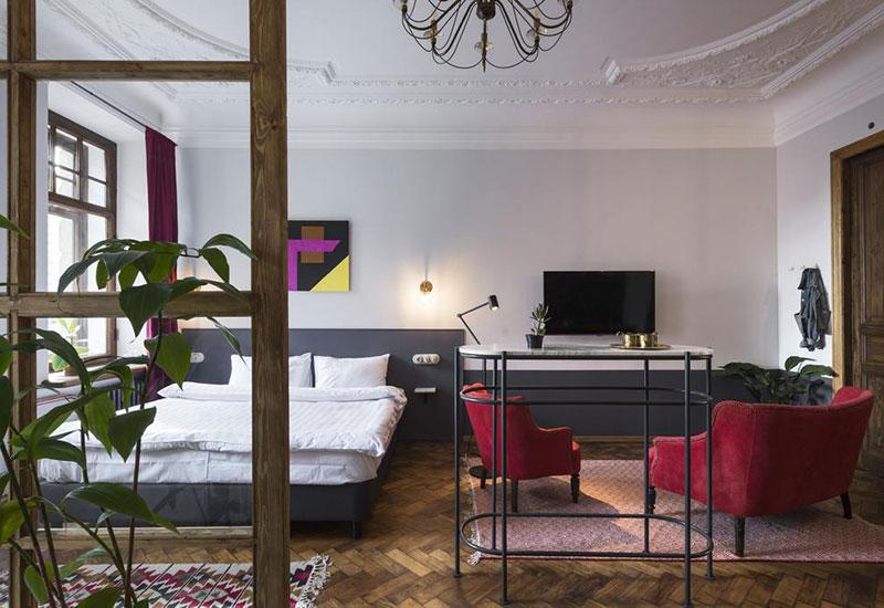 Прекрасный отель с характером в 100-летнем доме в центре Санкт-Петербурга