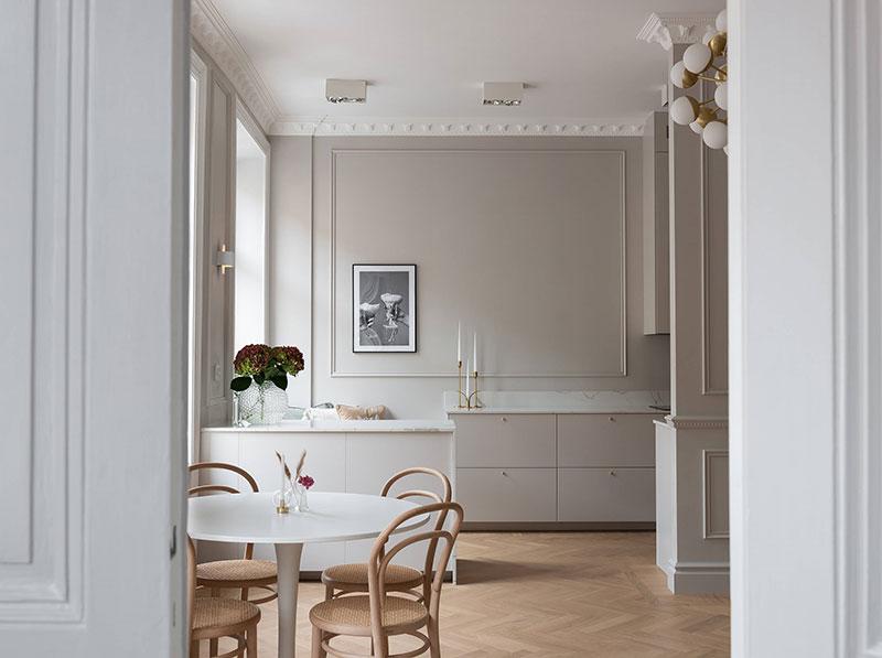 Мягкий минимализм и классические детали: изящная современная квартира в Стокгольме (63 кв. м)