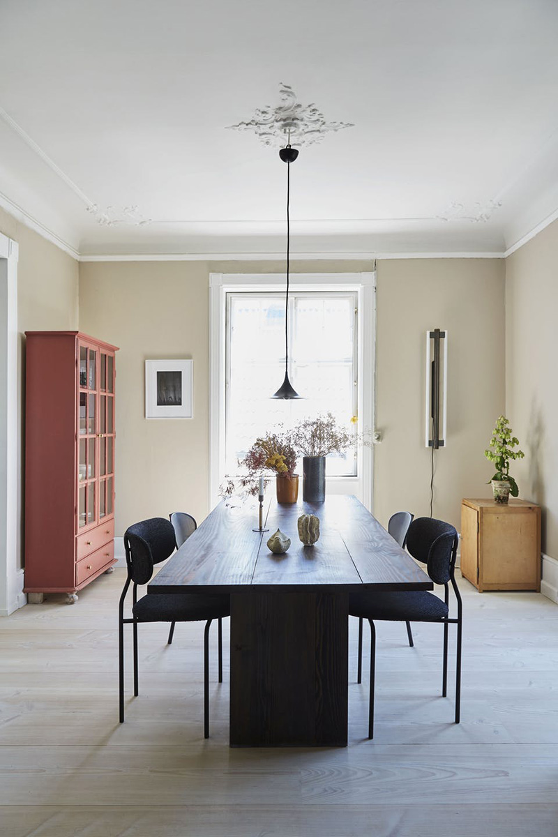 Как семья архитекторов обновила апартаменты в 100-летней вилле в Дании
