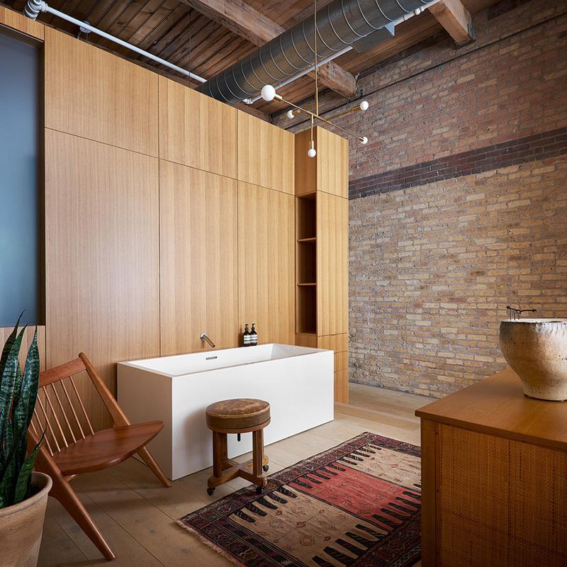 Столетний лофт в Чикаго, который получил новое интересное оформление