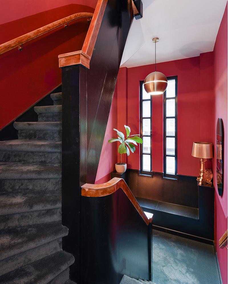 Буйство красок в интерьерах старинного таунхауса в Нидерландах