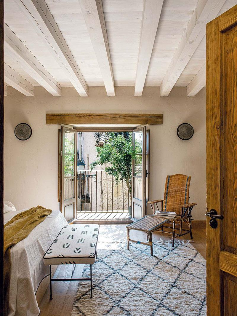 Из руин в тёплые объятья новых хозяев: уютное преображение старинного дома в Испании