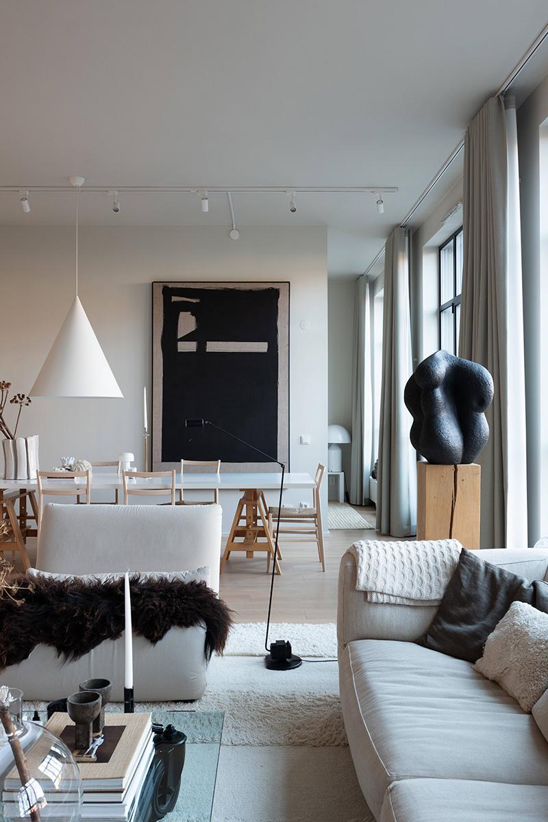 Как живут дизайнеры: великолепное современное пространство квартиры Lotta Agaton в Стокгольме