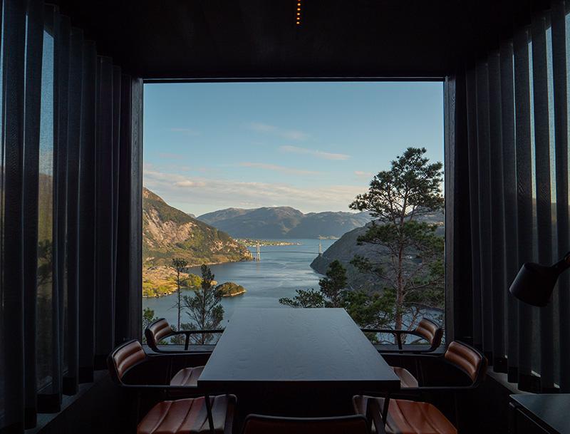 Паря над фьордами: микроотель с захватывающим видом в Норвегии