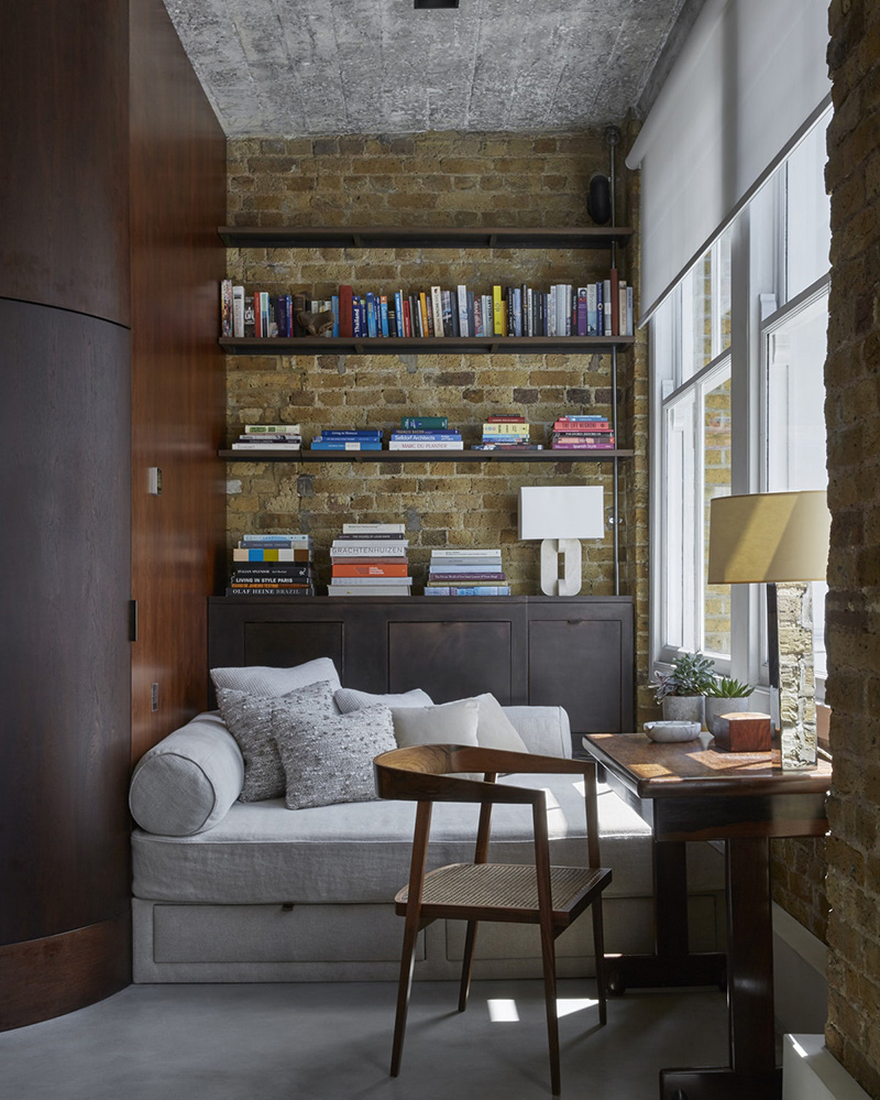 Стильный лофт с элегантной современной мебелью в Лондоне