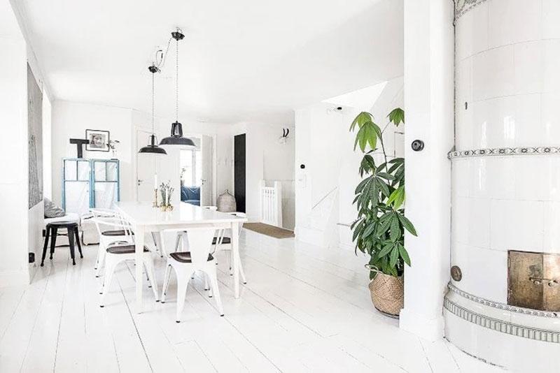 Традиционный шведский коттедж с дизайнерскими интерьерами в пригороде Стокгольма