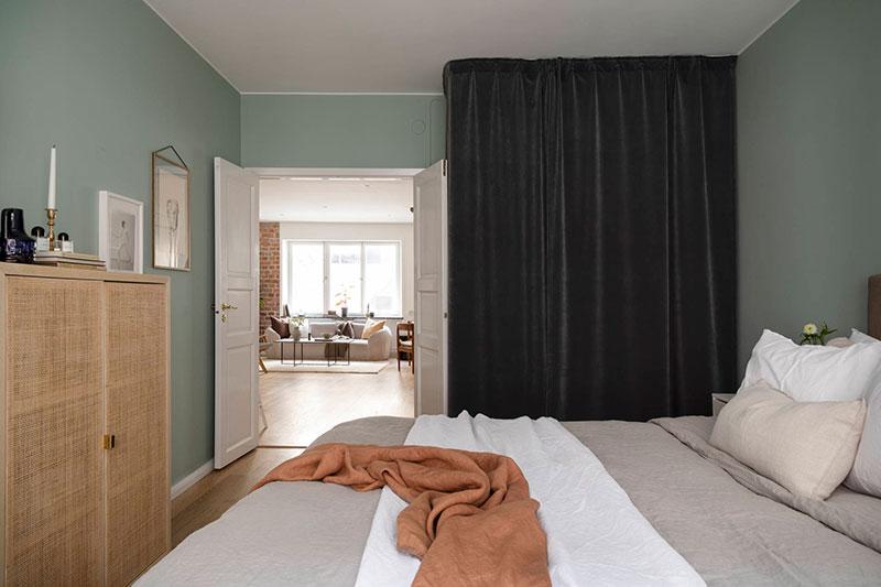 Светлая квартира на первом этаже, в которой очень уютно по вечерам (63 кв. м)