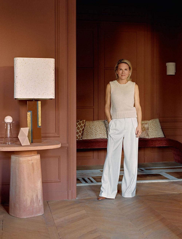 Прекрасная парижская квартира в коричневых тонах для семьи дизайнера