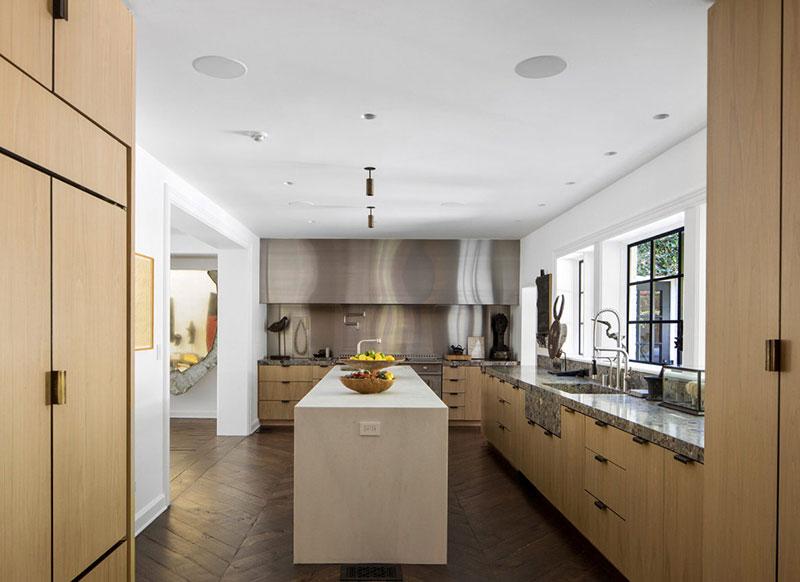 Как живут знаменитости: светлый дом ведущей Эллен Дедженерес в Калифорнии