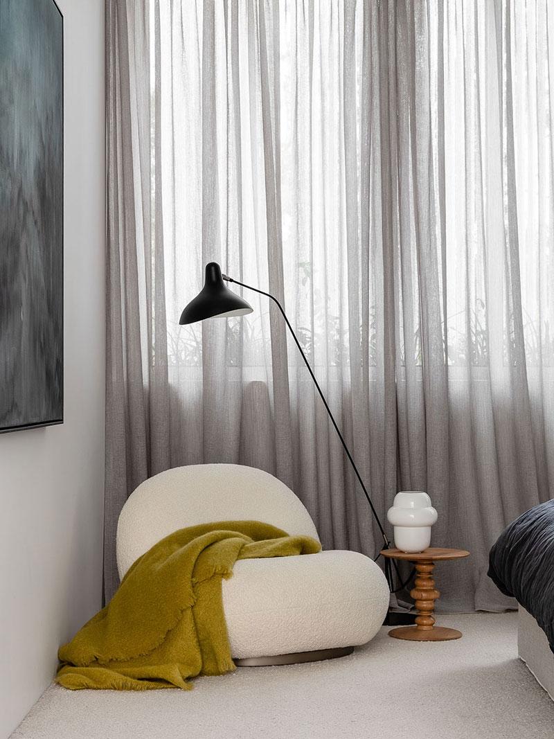 Современная эстетика и мрамор в доме с четырьмя детьми в Австралии