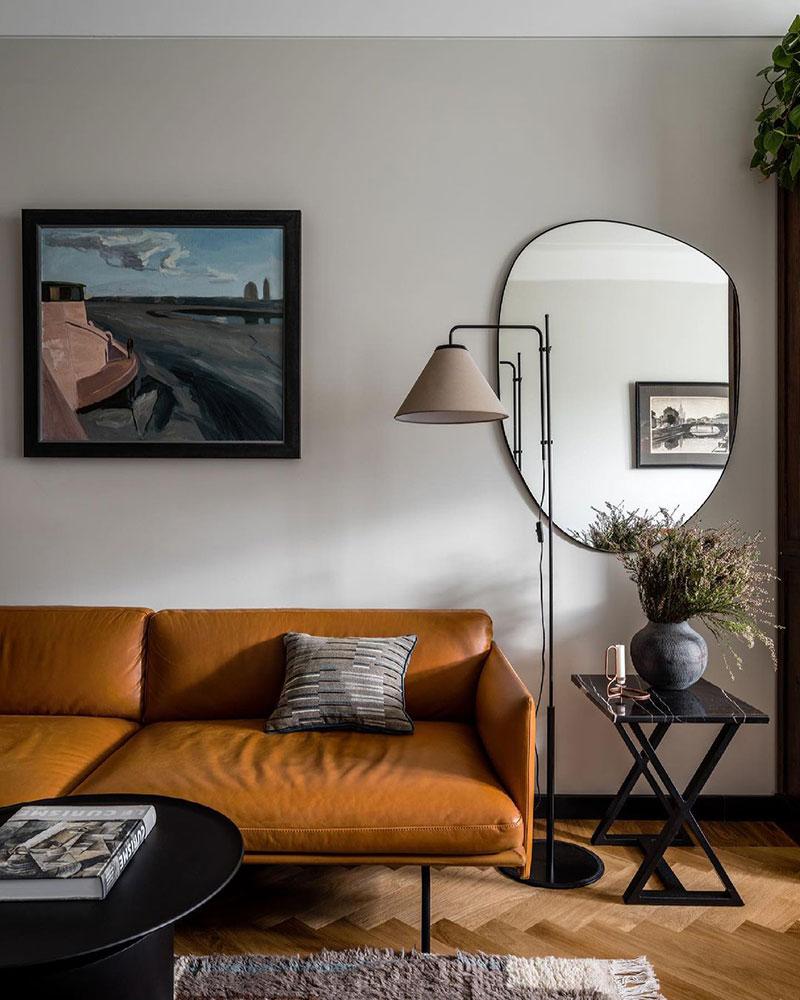 Винтаж и дизайнерская мебель в квартире семьи декоратора в Москве