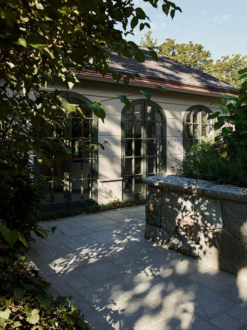 Роскошная вилла с элегантными и уютными интерьерами в Швеции