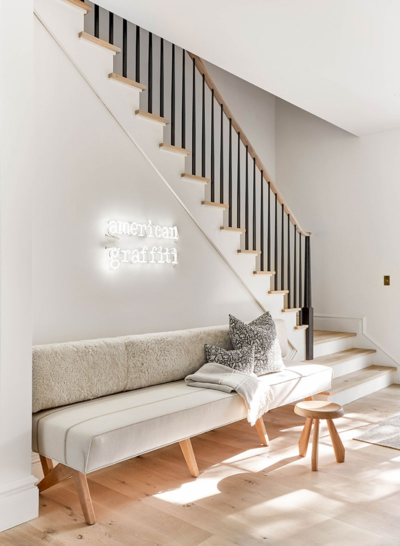 Простой снаружи, светлый и современный внутри: дизайнерский амбар в США