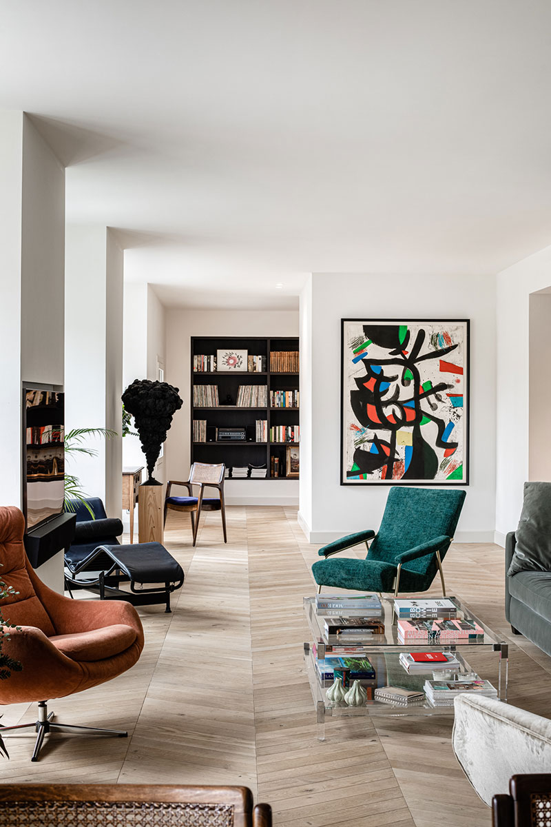 Стильная квартира с картинами из личной коллекции хозяев в Пальме (Испания)