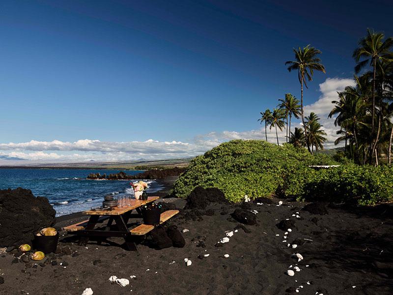 Удивительный дом на Гавайях рядом с пляжем с чёрным песком
