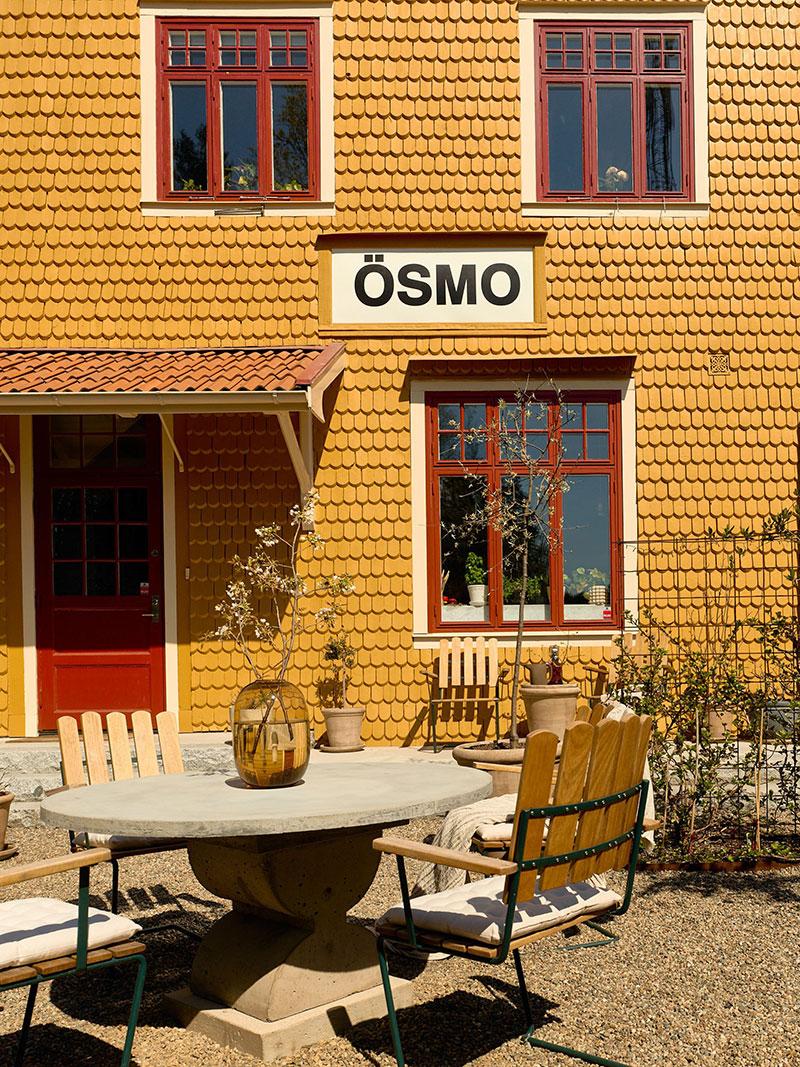 Уютный дом в здании бывшей железнодорожной станции в Швеции