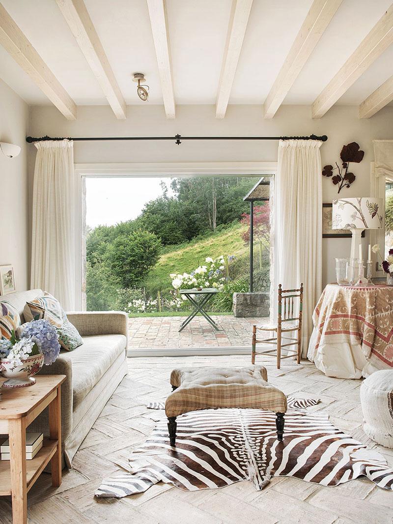 Очаровательный загородный дом с видом на горы в Испании