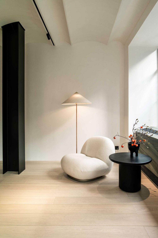 Кафе, отель, шоурум: модное пространство двух дизайнерских брендов в Шанхае