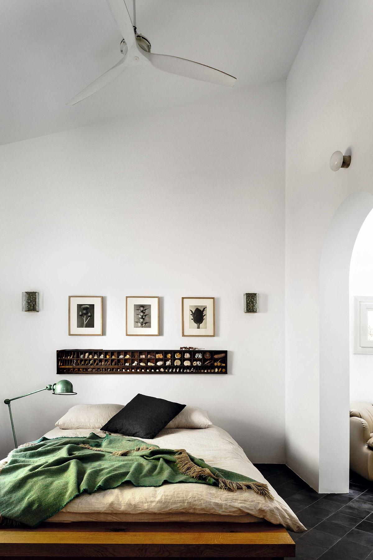 Арки, ставни и белоснежные стены: интерьер виллы на Майорке