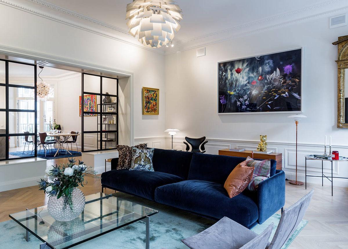 Просторный комнаты и классические детали: элегантные современные апартаменты в Стокгольме