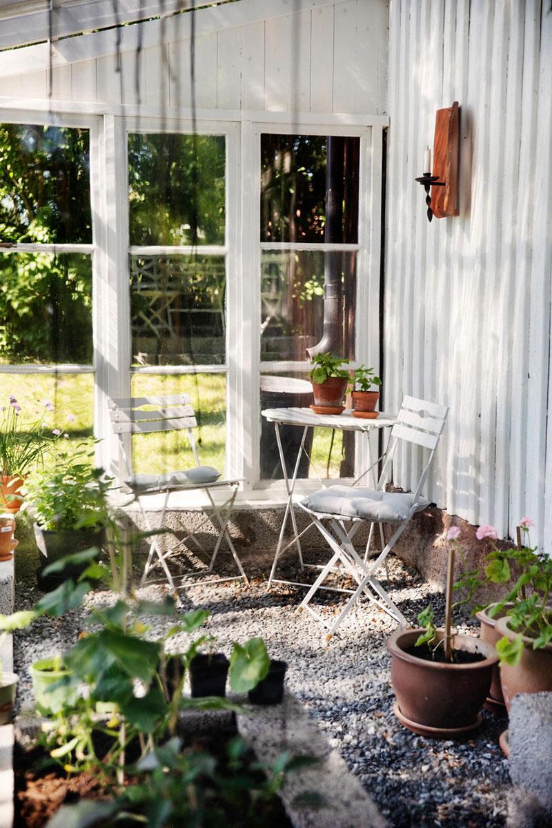Светлая и уютная дача в здании бывшего сельского магазина в Швеции