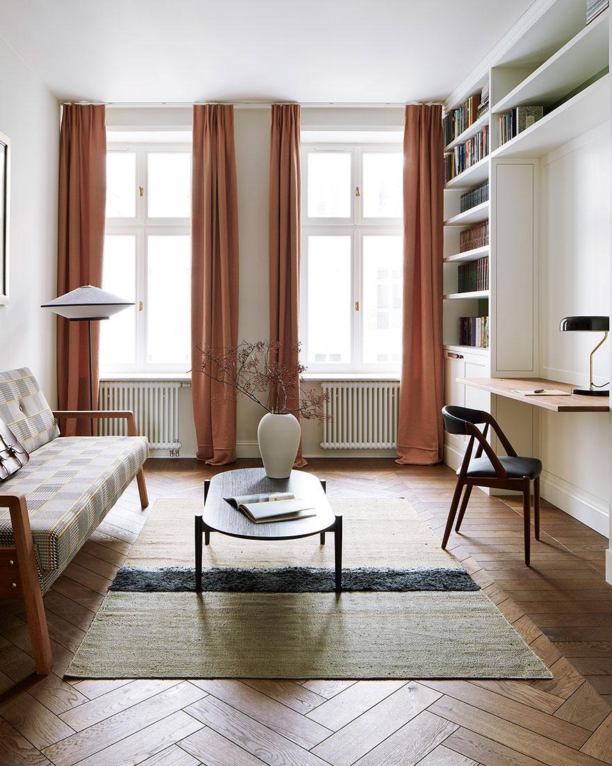 Яркие апартаменты в Варшаве с деталями из разных эпох