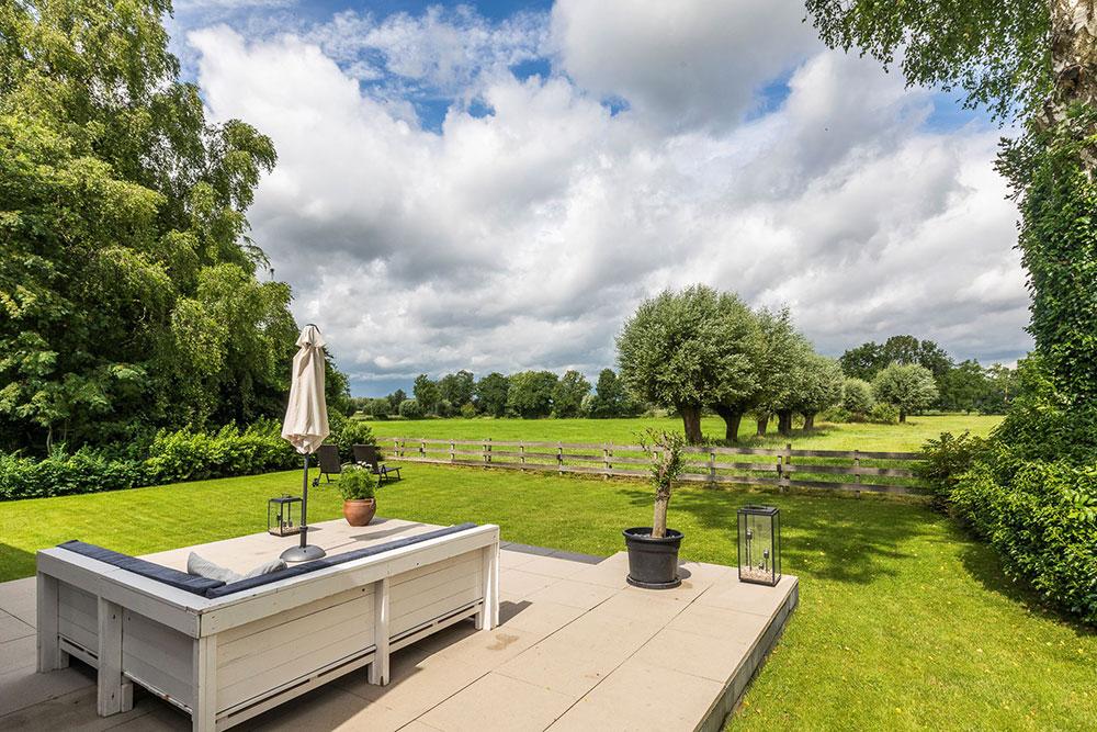Прекрасный современный дом с балками в Нидерландах