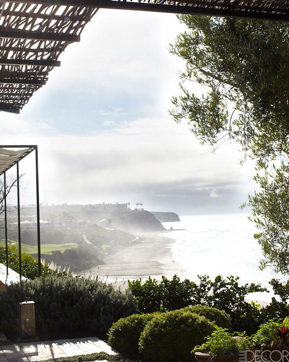 Средиземноморские мотивы в дизайне виллы у океана в Калифорнии