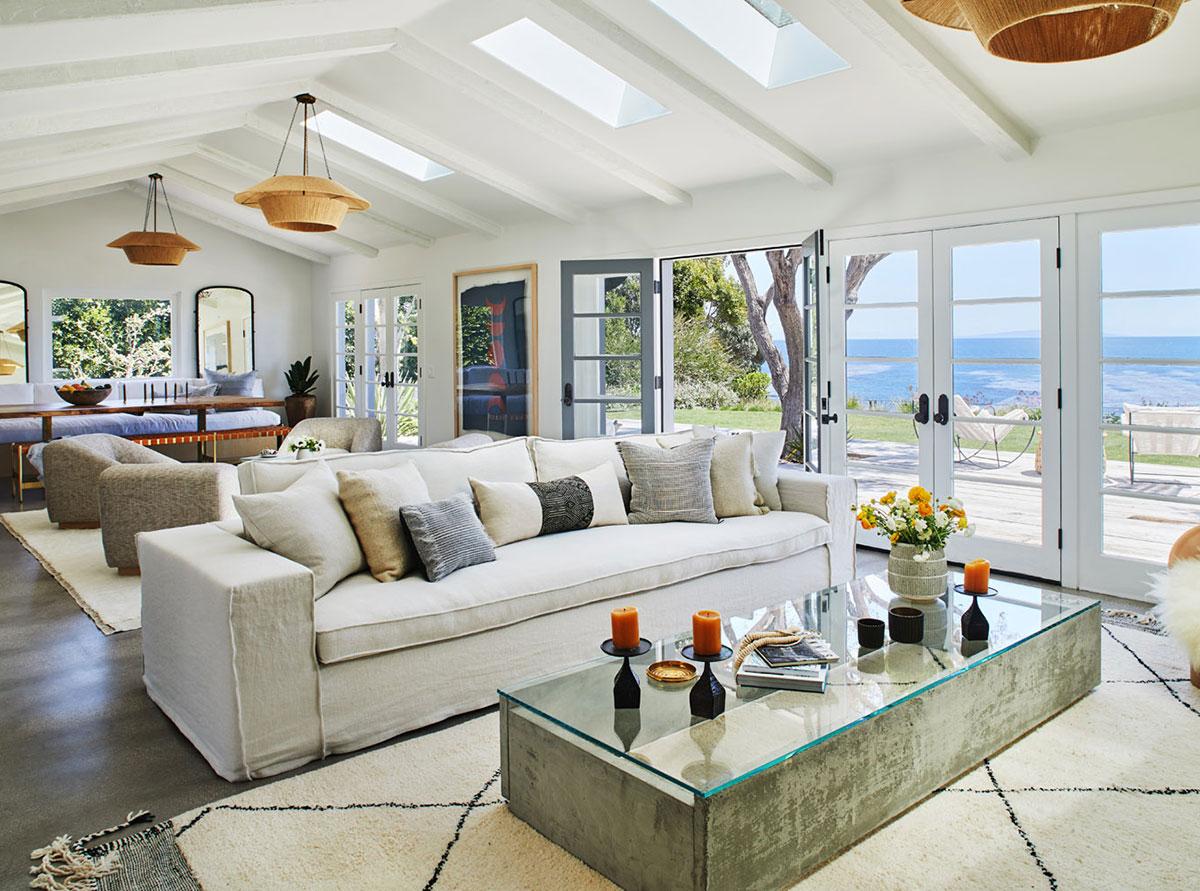 Шикарный дом в Малибу с террасой у кромки океана