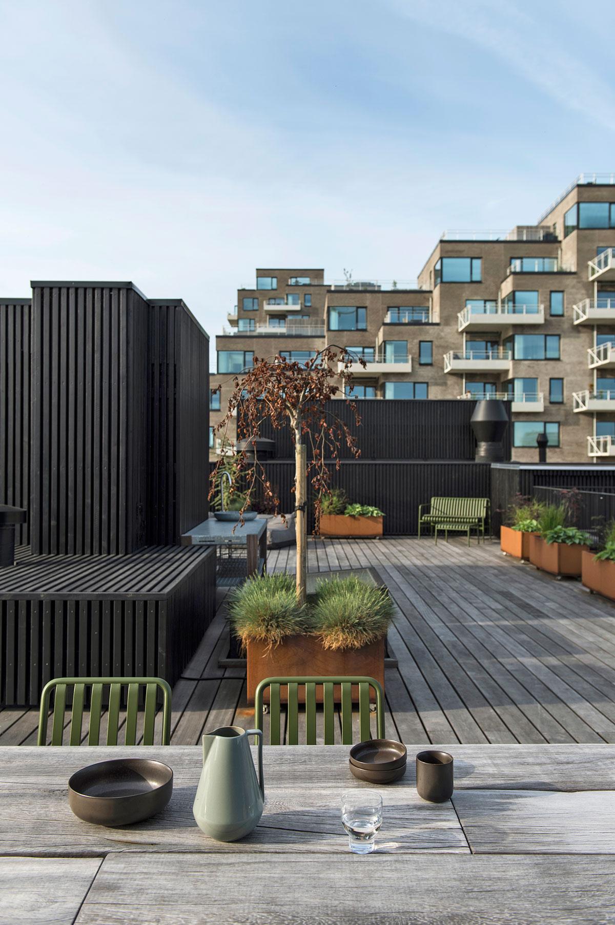 Впечатляющий пентхаус для молодой семьи с огромной террасой в модном районе Копенгагена