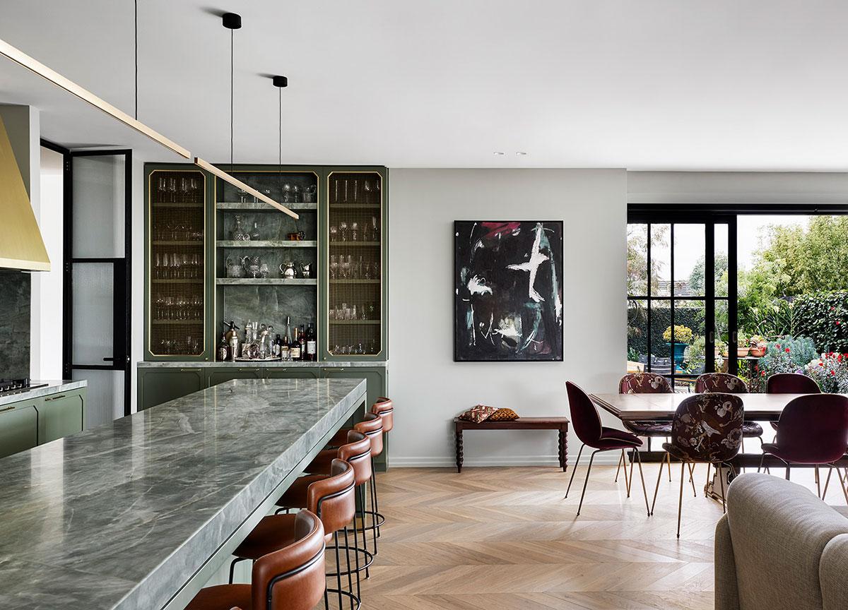 Элементы разных эпох в дизайне семейного дома в Мельбурне