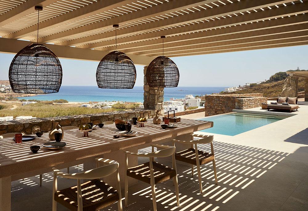 Тёплая минималистичная эстетика дизайнерской виллы на острове Миконос