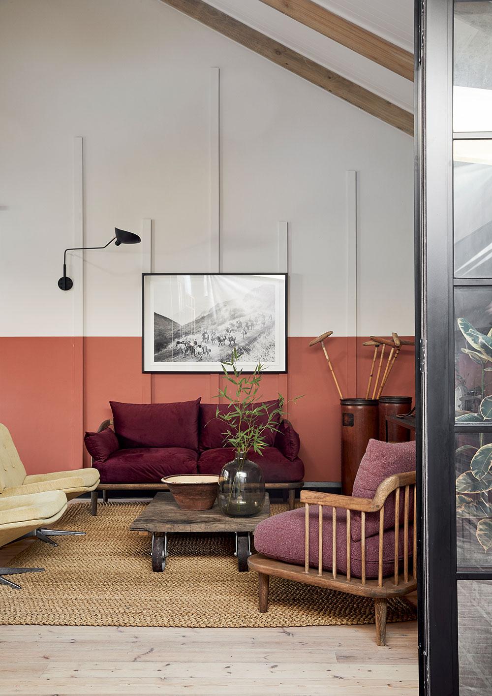 Яркий дизайн с винтажными находками для небольшого дома в ЮАР