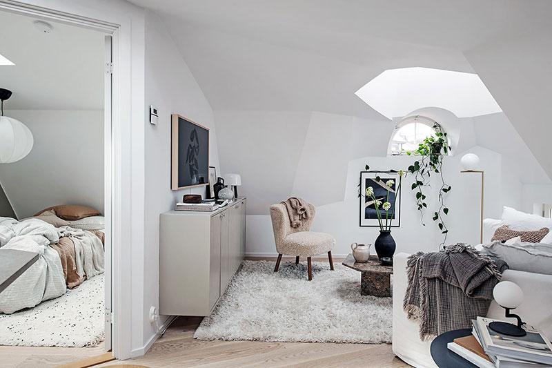 Уютная белая квартирка на чердаке в Гётеборге (33 кв. м)