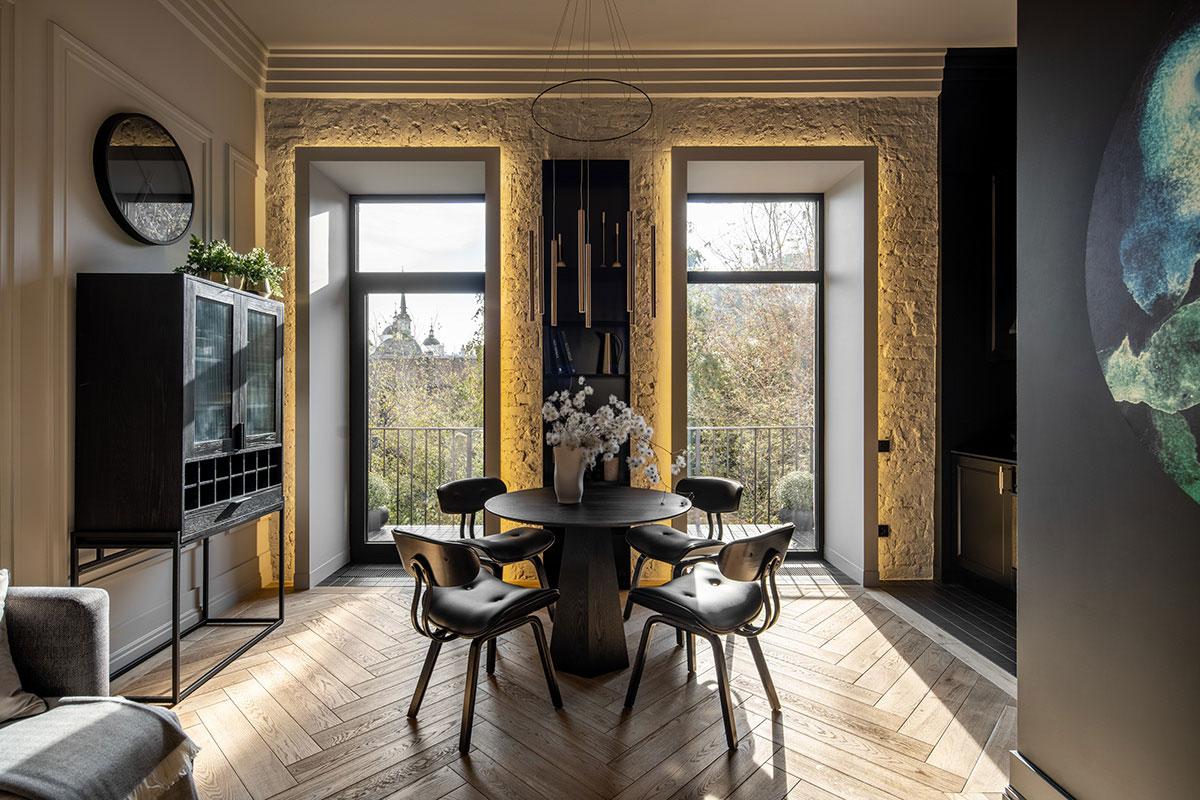 Современное обновление квартиры на Андреевском спуске в Киеве (60 кв. м)