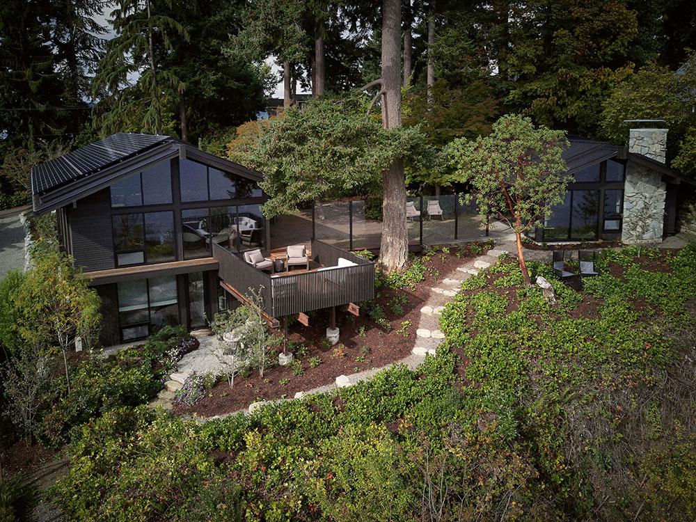Современный дом у озера в США, который идеально вписан в природу