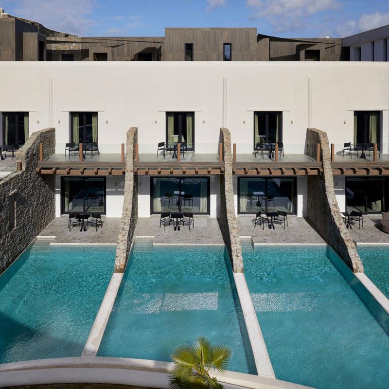 Роскошный отдых без суеты: отель Aeonic Suites Spa на острове Миконос
