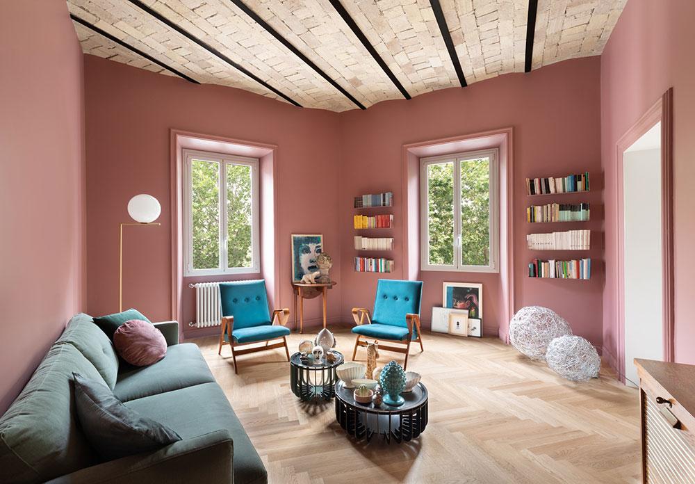 Сводчатые потолки и смелые цвета: обновленная квартира в старинном доме в Риме