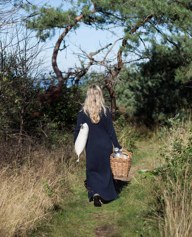 Как одна шведская пара превратила неприметную хижину с красивым садом в уютнейшую дачу